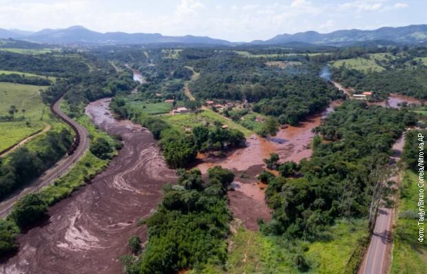 Izvučena tela devet žrtava u Brazilu, 300 nestalih