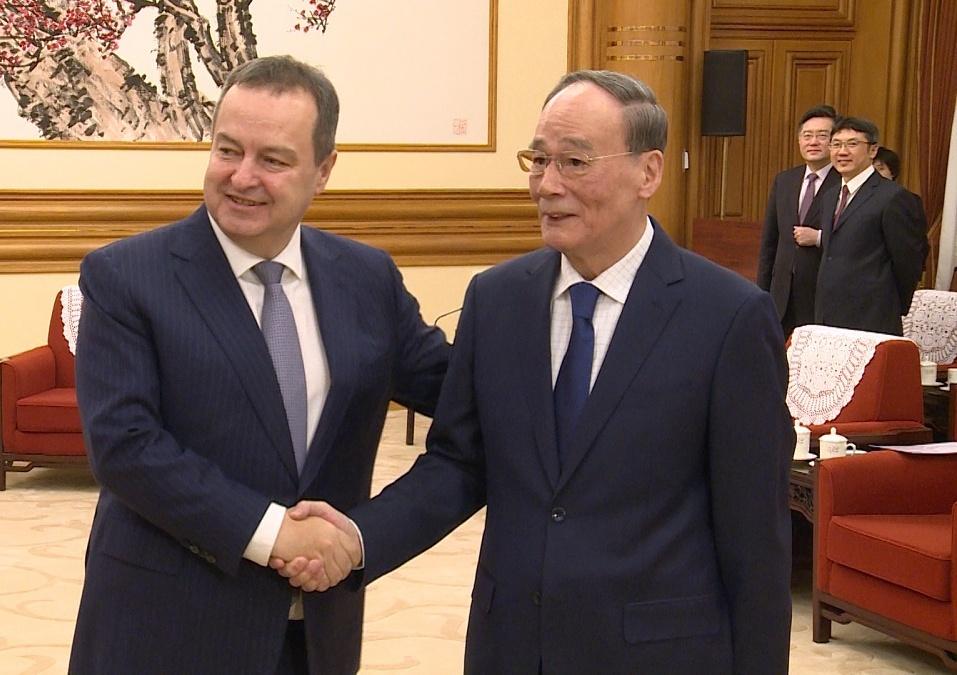 Dačić: Nadamo se da će Kina uskoro pobediti virus