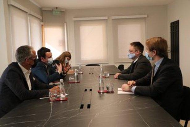 Kurti britanskom ambasadoru ponovio da ne treba žuriti sa dijalogom