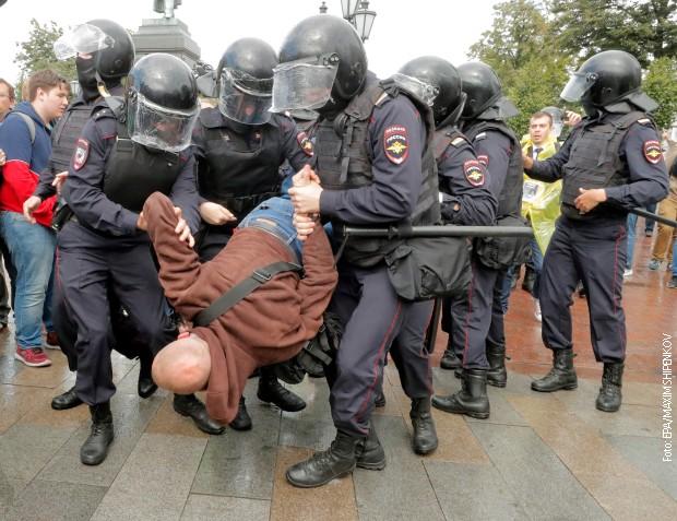Novi protesti u Moskvi, uhapšeno više od 600 ljudi