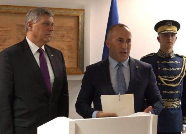 Kosnet i Haradinaj danas o zahtevu SAD da se ukinu takse
