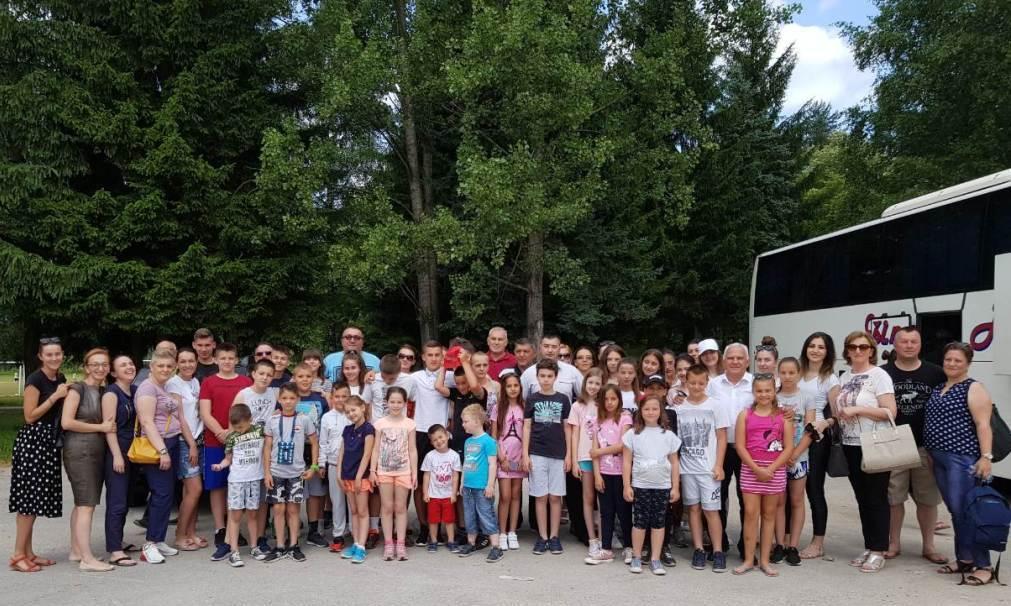 Višegrad: Deca završila posetu Srpskoj i krenula na Kosovo i Metohiju