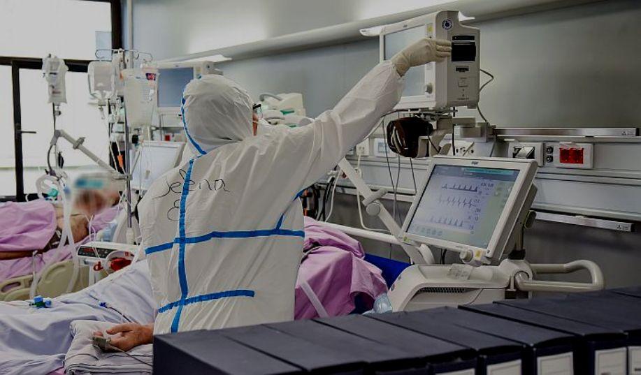 Četvrti talas u zamahu – bolnice se pune, vakcinacija trećom dozom od sutra