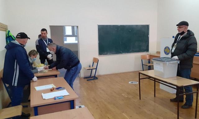 Do 15 časova u Severnoj Mitrovici glasalo 30,3 % birača