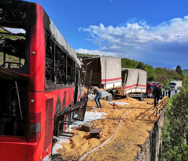 Sudar autobusa i kamiona kod Kuršumlije, četvoro poginulih