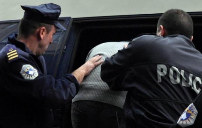 Policija u Srbici uhapsila sudiju i policajca zbog zloupotrebe položaja i primanja mita