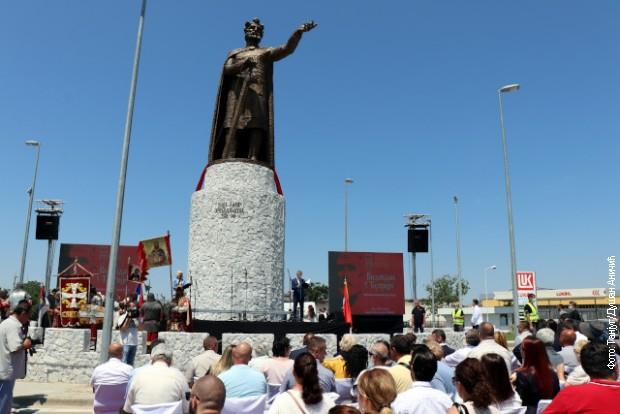 Spomenik knezu Lazaru otkriven u Ćupriji