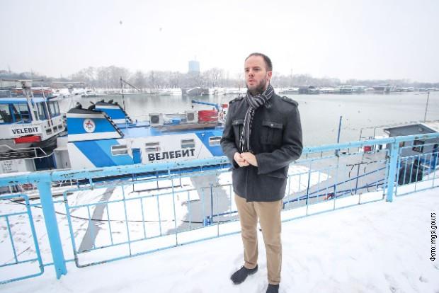 Prati se situacija sa ledom, nema razloga za obustavu plovidbe