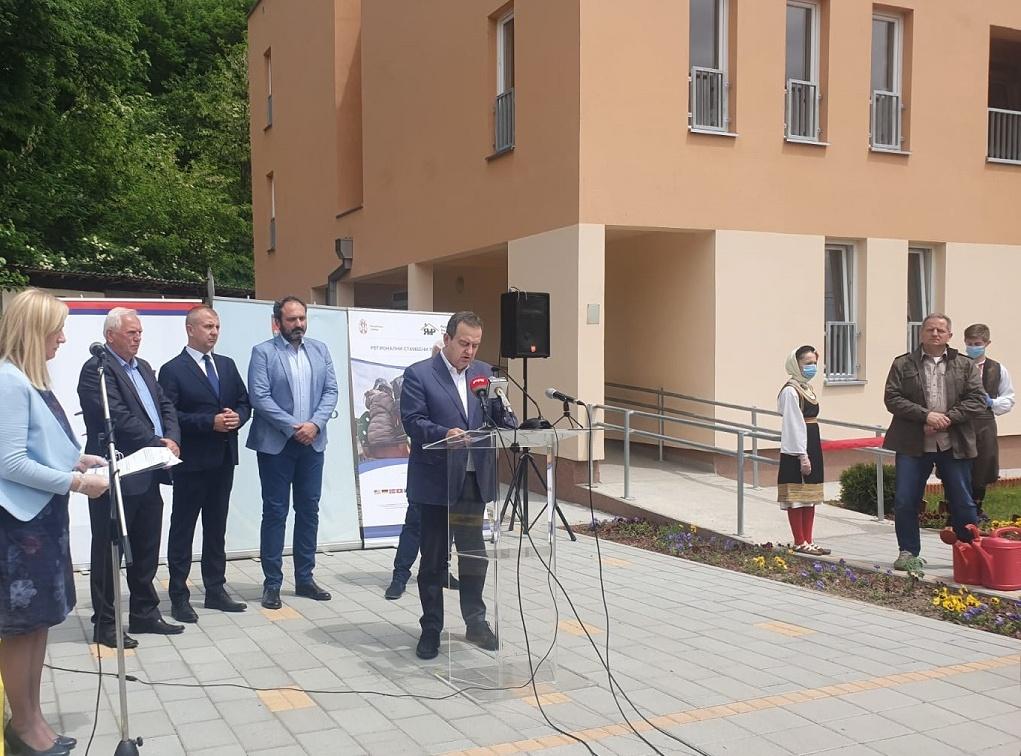 Dačić u Krupnju: Za vas je ovo novi početak, a za nas moralna obaveza