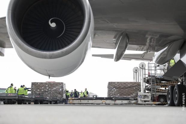 Još 90 tona medicinske opreme stiglo u Srbiju
