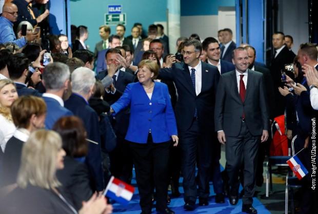Merkel i Veber na skupu HDZ: Nacionalizam neprijatelj Evrope