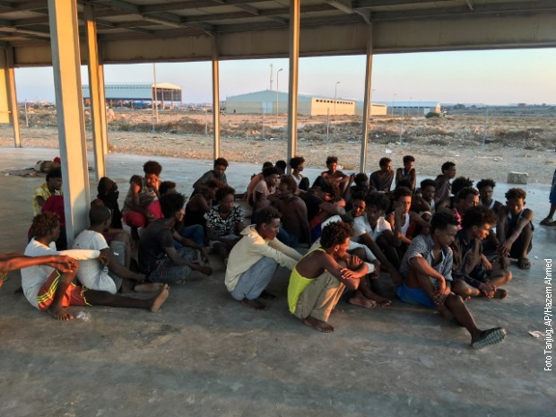 Libija, desetine tela migranata izvučeno iz Sredozemnog mora