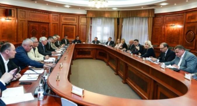 Mihajlovićeva sa prevoznicima o problemu čekanja na granicama