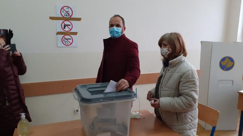 Radojević i rukovodstvo Srpske liste glasali u Tehničkoj školi u Severnoj Mitrovici