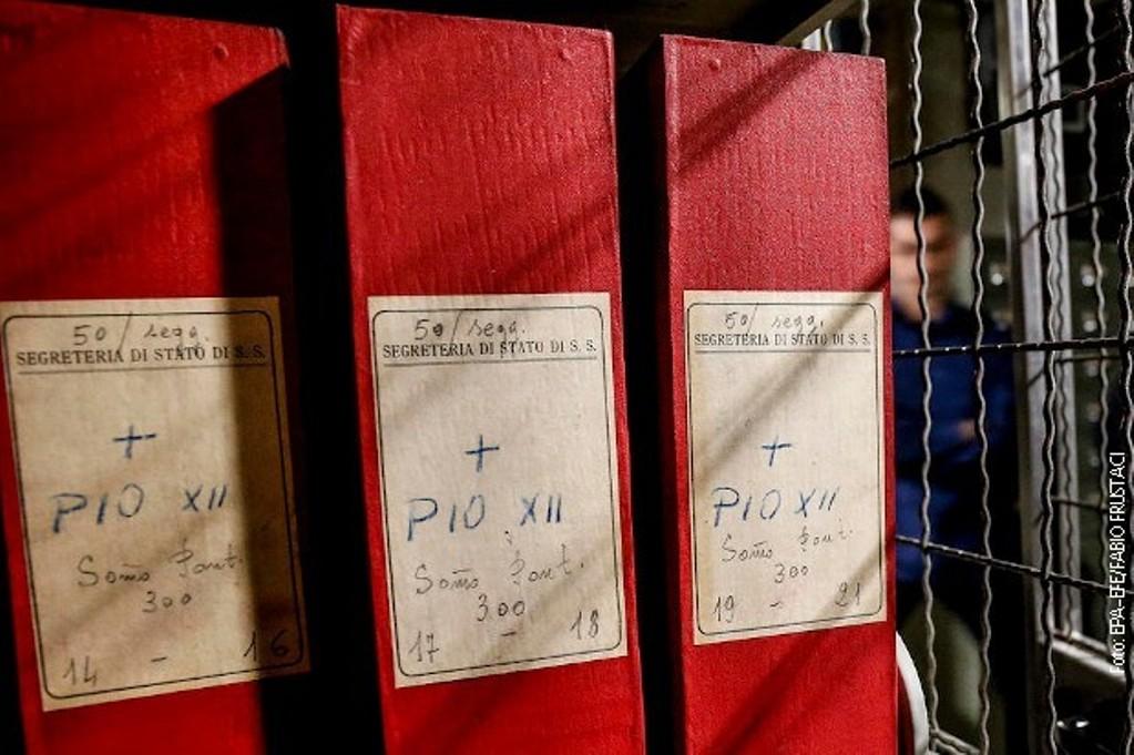 Vatikanski arhiv otkrio - Papa Pije Dvanaesti nemo posmatrao Holokaust