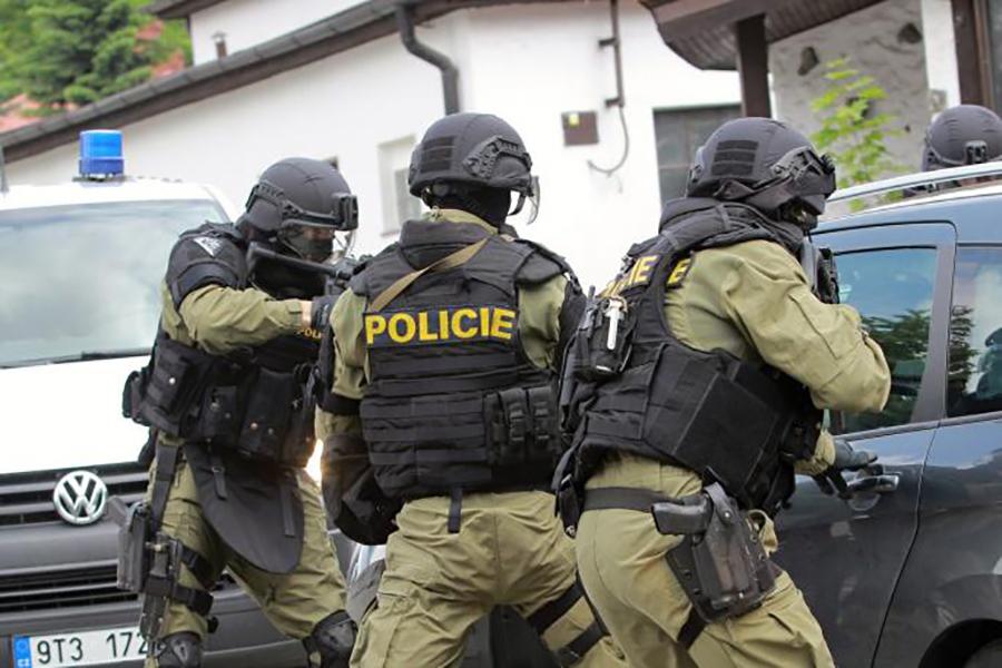 Talačka kriza u Češkoj, muškarac drži osam osoba kao taoce