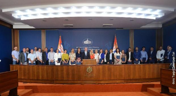 Podrška preduzetnicama u 24 opštine i organizacije