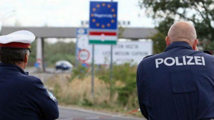 Austrijska policija patrolira duž mađarsko-srpske granice