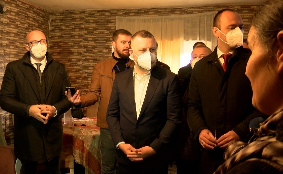 Srpska lista započela predizbornu kampanju u Prilužju i Gracu