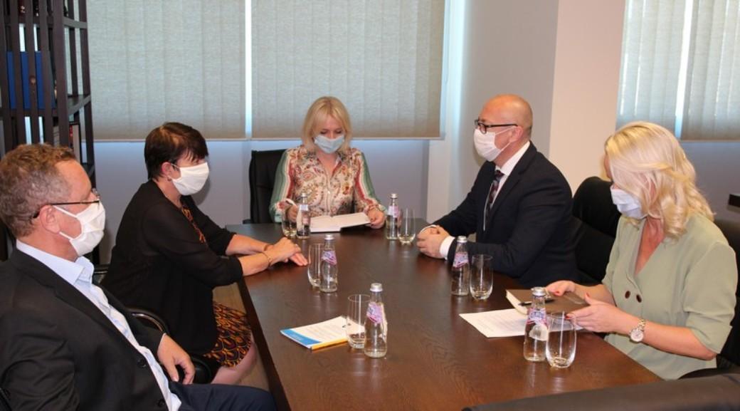 Rakić sa ambasadorkom Francuske na Kosovu