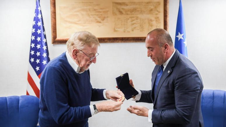Ramuš Haradinaj odlikovao medaljom Vilijama Vokera