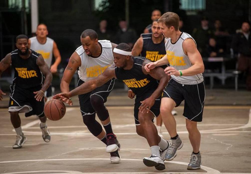 Divac i Bjelica igrali košarku sa zatvorenicima ozloglašenog američkog zatvora  VIDEO