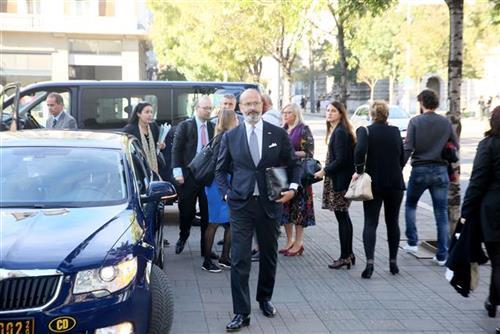 Počeo dijalog političkih partija uz EP predstavnike