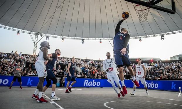 Basketaši Srbije pobedili Francusku za polufinale SP
