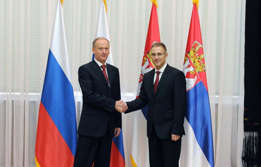 Stefanović sa Patruševim: Pogoršana sigurnost Srba na KiM