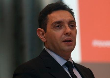 Vulin: Tepić lažima nanosi štetu Telekomu