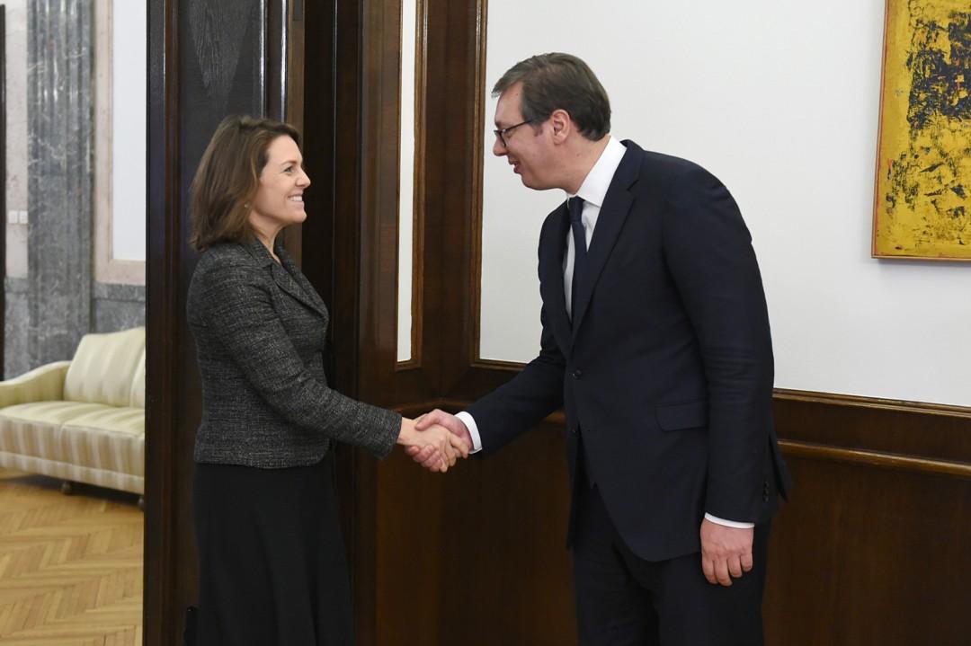 Vučić sa Larkin: Priština ugrožava mir i stabilnost u regionu