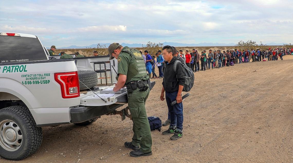 Granična patrola u Arizoni uhapsila 376 migranata
