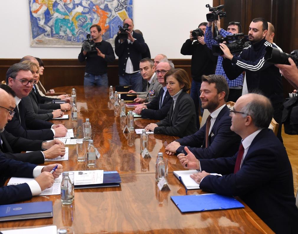 Vučić se sastao sa francuskom ministarkom odbrane