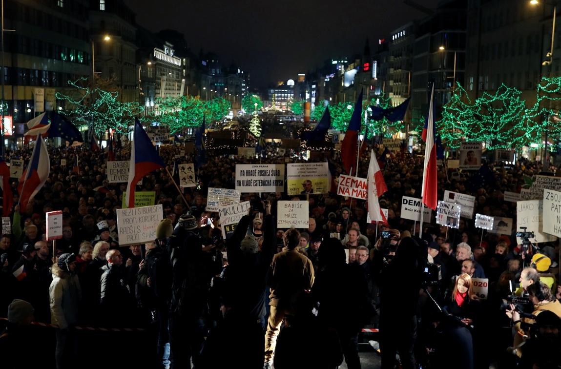 Protesti u Pragu, građani traže ostavku Babiša