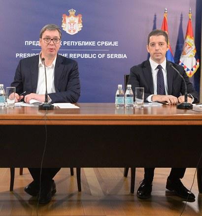 Srbi sa KiM hoće da izađu iz kosovskih institucija, Vučić ih zamolio za strpljenje