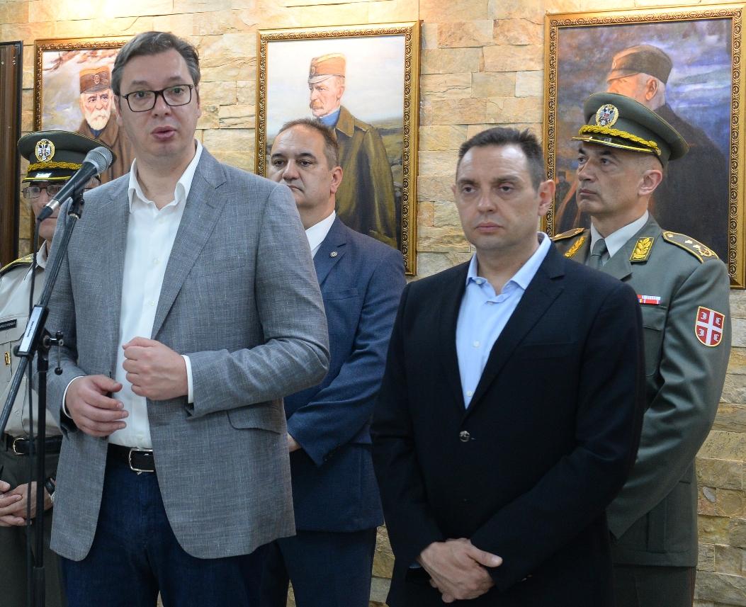 Vučić:Ponosan kako su se ogovorno poneli pripadnici VS