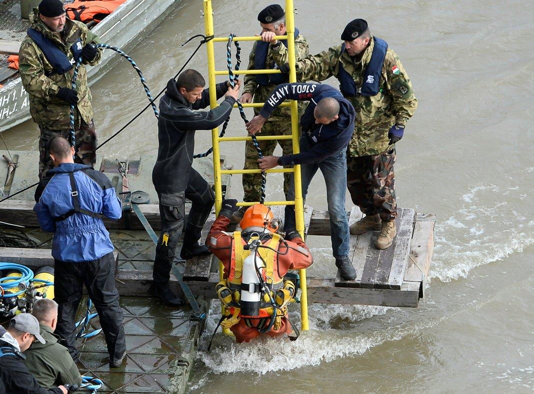 Mađarski ronioci u potrazi za nestalima u nesreći na Dunavu