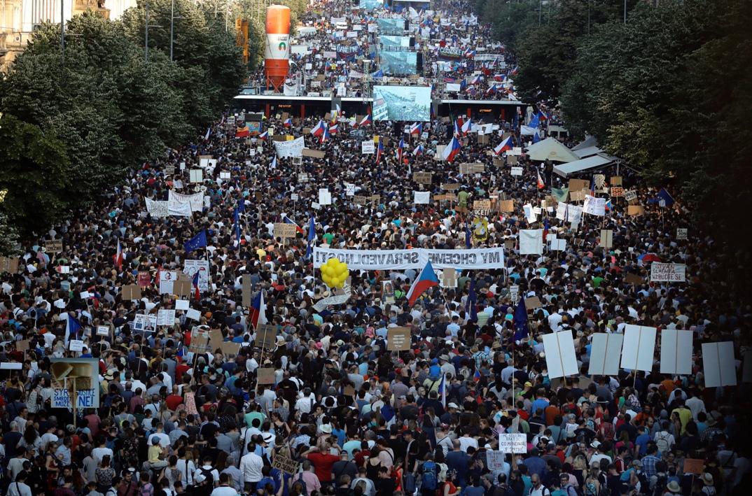 Najveći protest od plišane revolucije – Česi traže ostavku Babiša