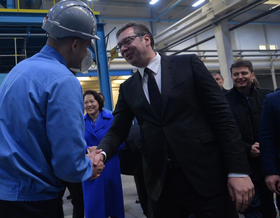 Vučić u fabrici Mei Ta u Obrenovcu