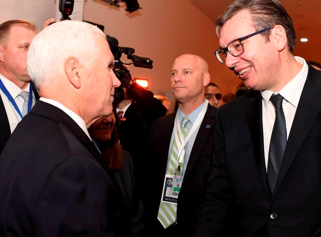 Vučić o susretu sa Pensom i Makronom