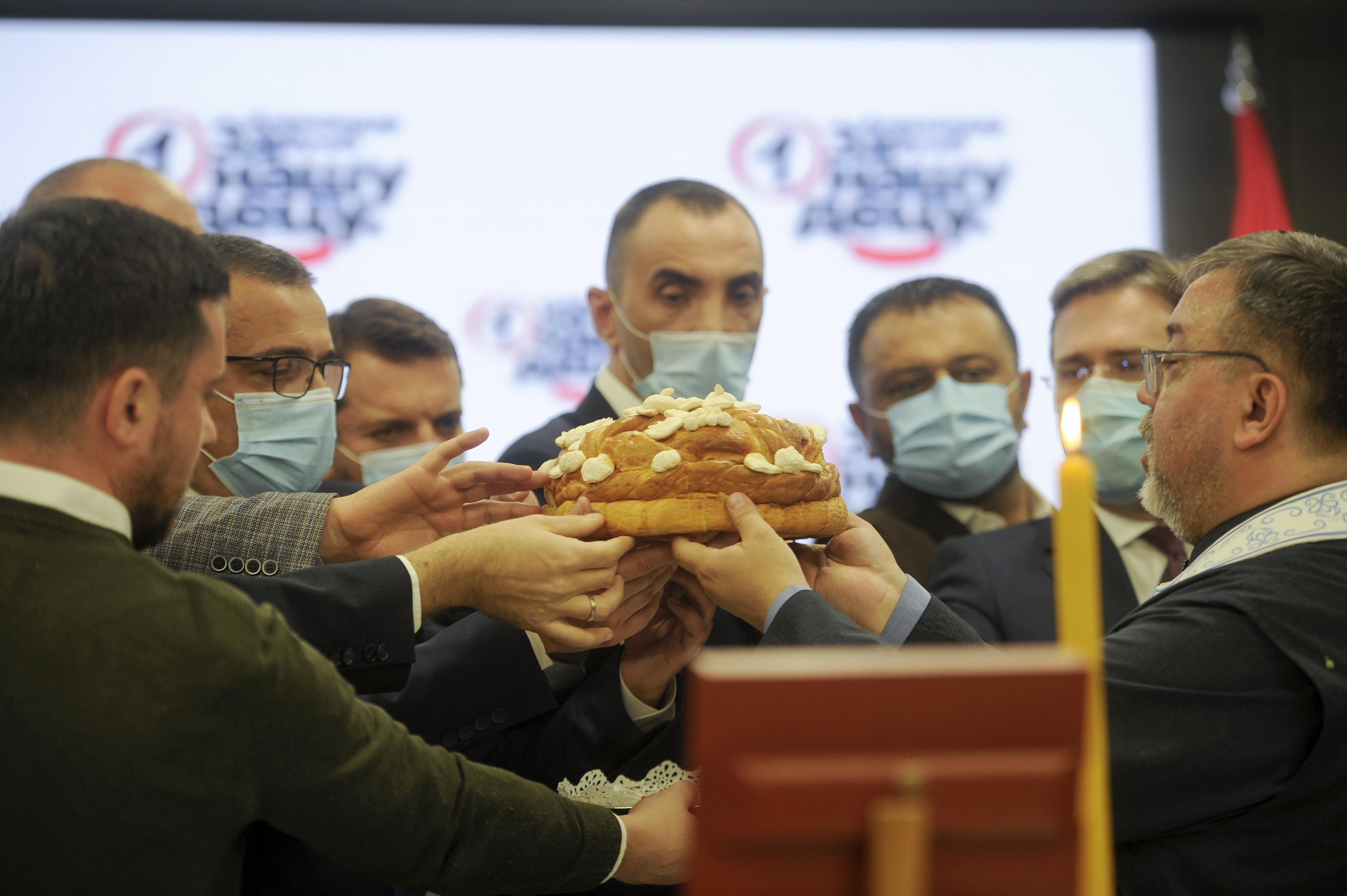SNS obeležila slavu: Zajedno da pobedimo i sačuvamo Srbiju