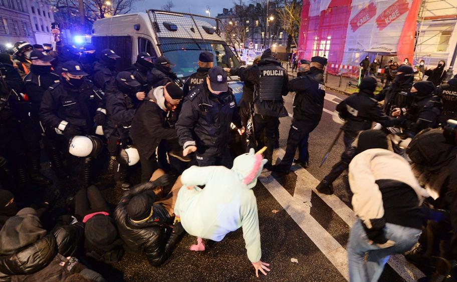Sukobi na protestima u Poljskoj, više uhapšenih