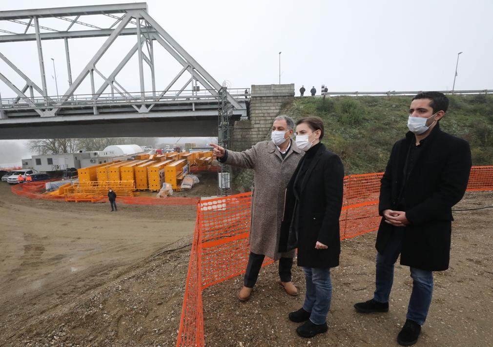 Brnabić: Gradeći auto-puteve gradimo jaču Srbiju