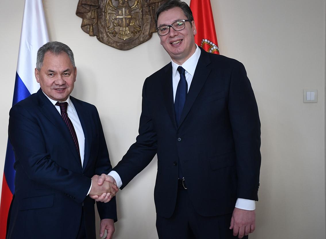 Sastali se Vučić i Šojgu