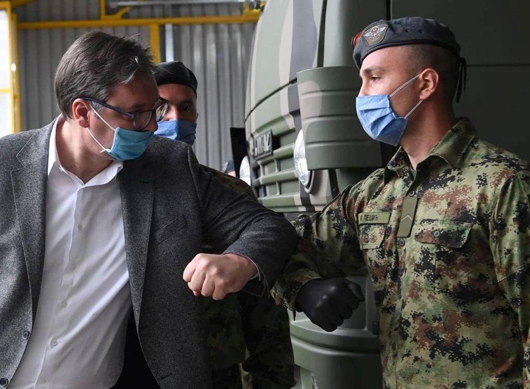 Predsednik Vučić obišao 3. raketni divizion