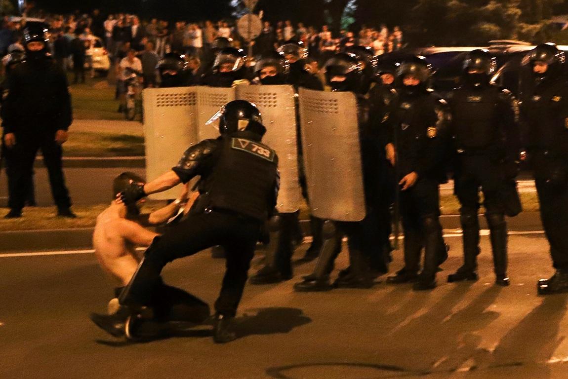 Oko 3.000 uhapšenih na protestima u Belorusiji