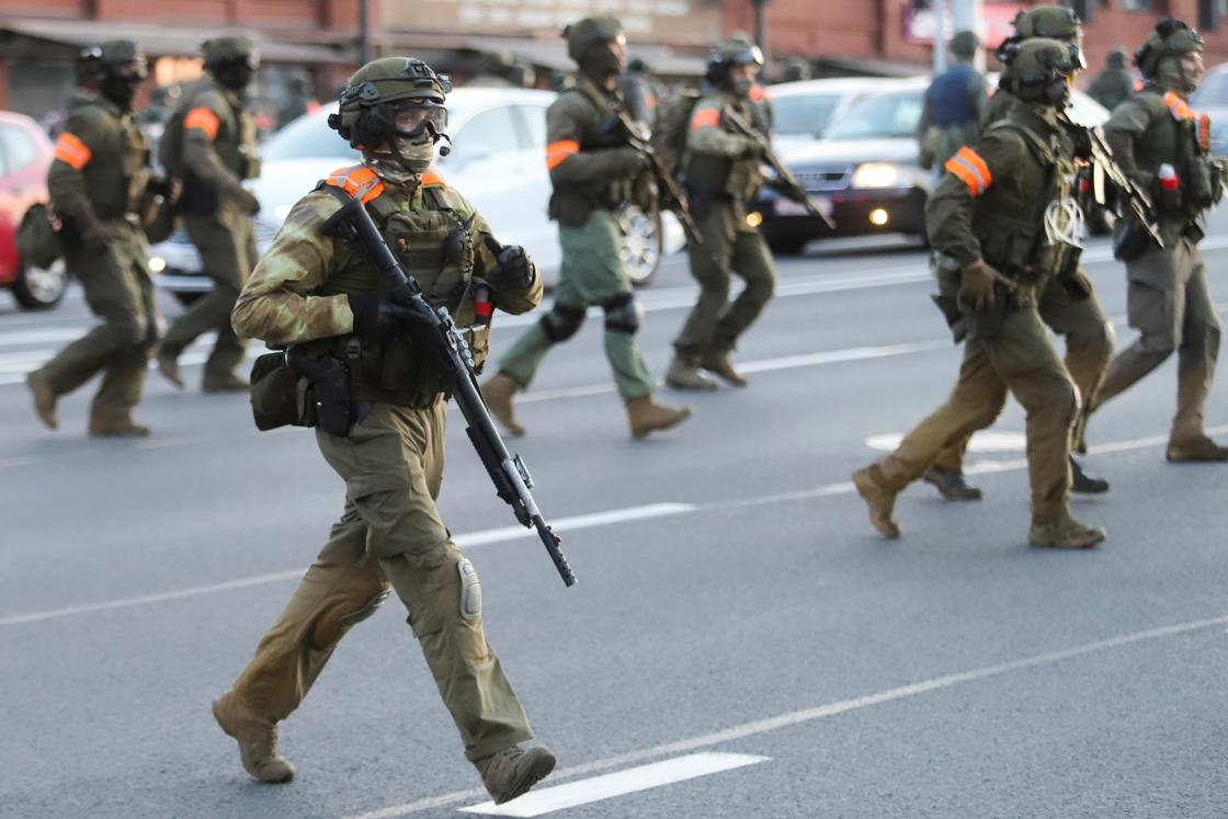 Policija u Minsku pucala na ljude