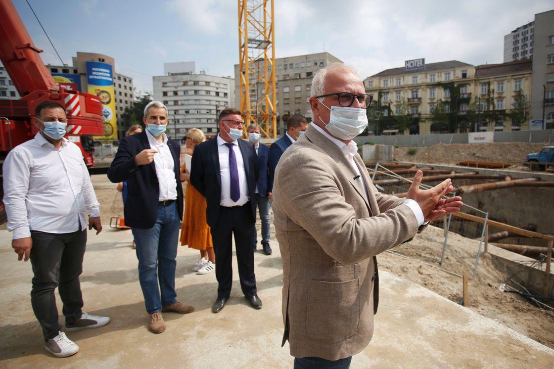 Počelo postavljanje prvih delova spomenika Stefanu Nemanji