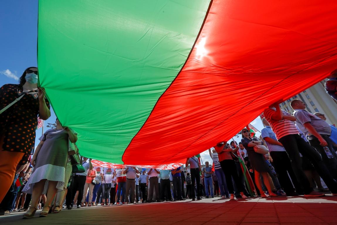 Lukašenkove pristalice pozvale na jedinstvo nacije; Protivnici na ulicama Minska
