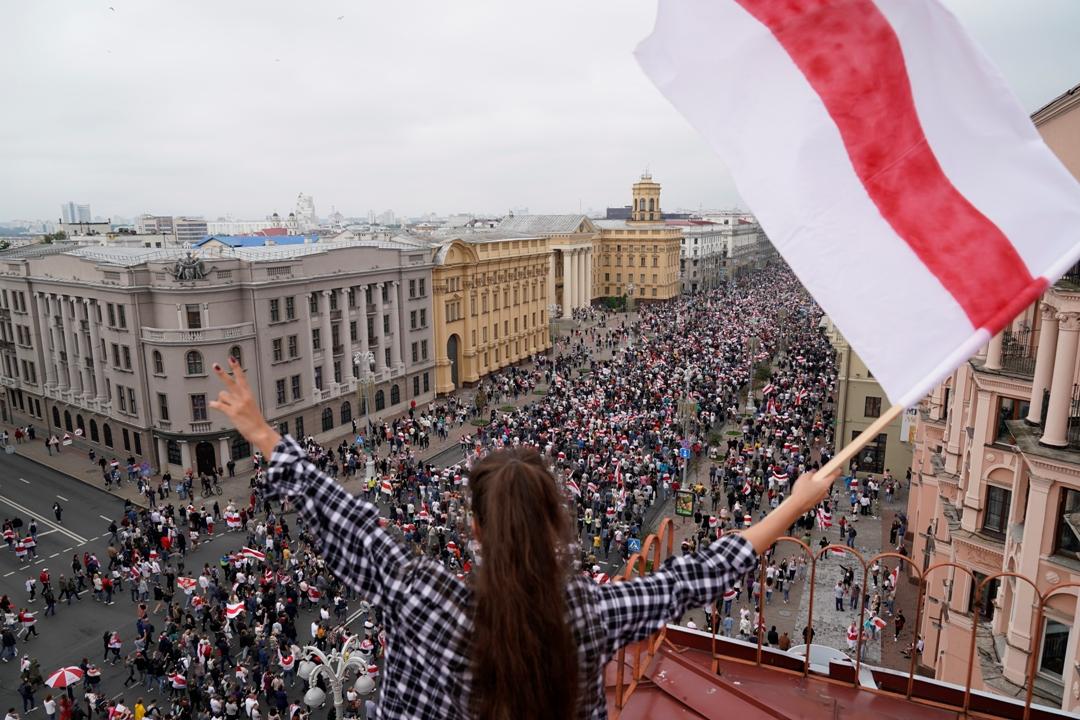 Desetine hiljada ljudi demonstrira u Minsku protiv vlasti